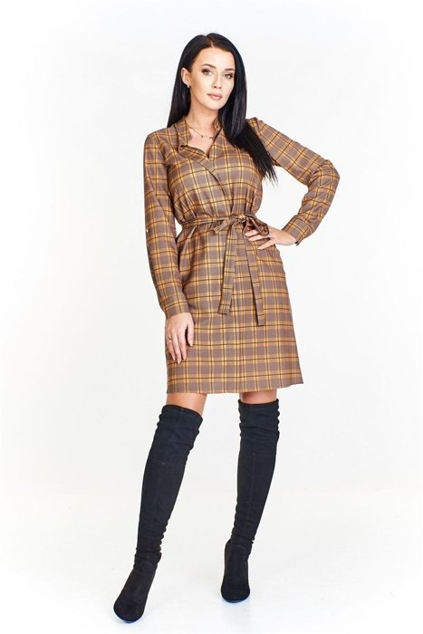 10943ea21b Sukienka w kratę z pionową zaszewką z przodu