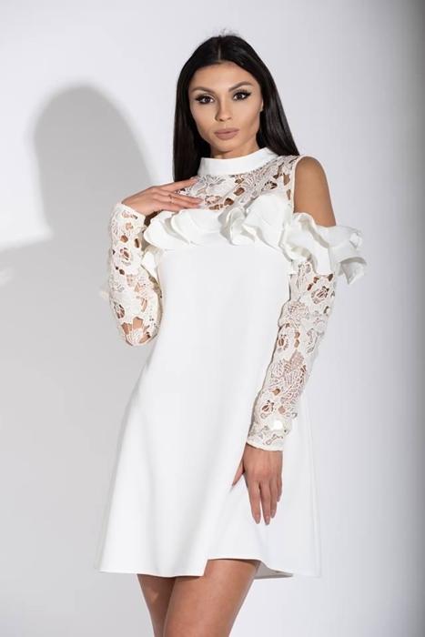 24e347935e Pudełkowa sukienka z gipiurą