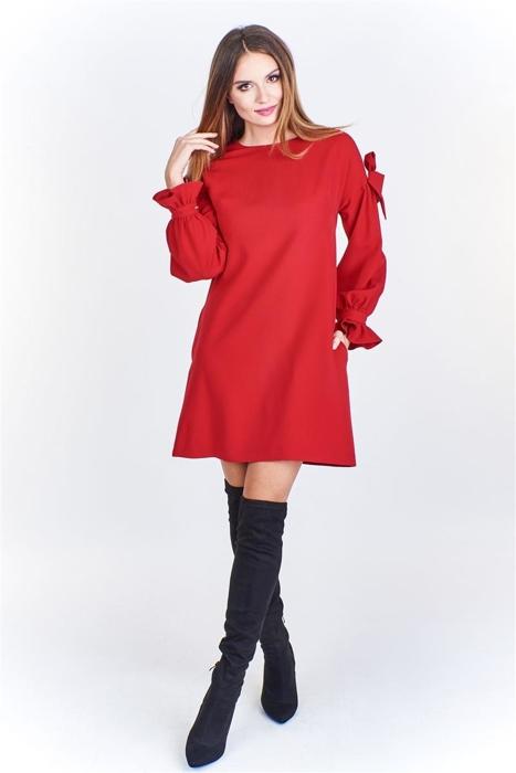 c85ed40dafeaa7 Trapezowa sukienka ze zdobionym rękawem Czerwony | KOBIETA ...